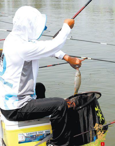 2012-2013年度全国钓鱼锦标赛总决赛在河南南阳卧龙区麒麟山庄垂钓中心举行