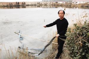 鱼没钓上来,他却掉进冰窟  王瑞仁师傅在事发现场讲述救人经过