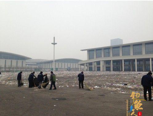 钓具展落幕 梅江会展中心垃圾遍地 赢了展会,输了天津的形象