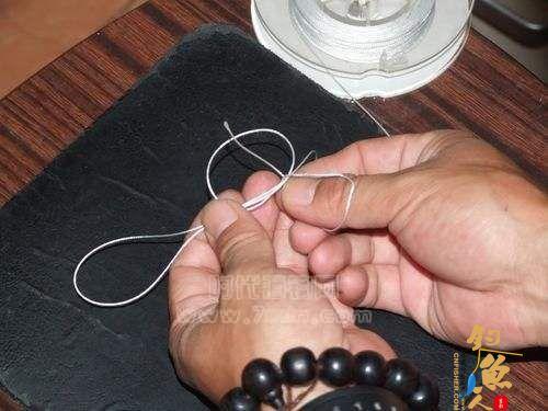 怎么把鱼线绑到卷线器上---渔轮缠线 配图