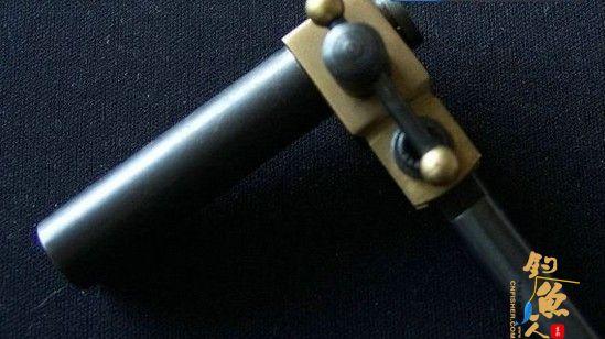 安装钳头套管