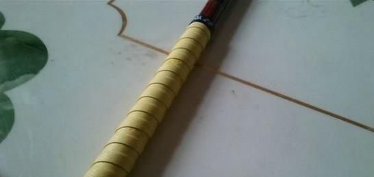 鱼竿吸汗带的缠绕方法