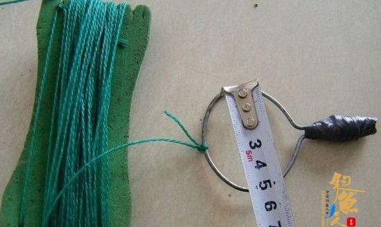 简易鱼钩挂底脱钩器的制作过程