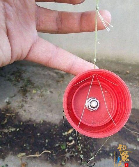 DIY渔具使用瓶盖制作翻版爆炸钩  定位结