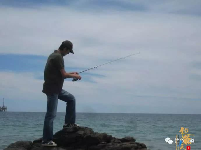 钓鱼操竿,这四个动作千万不能做!
