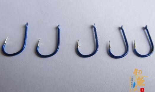 一些鱼钩的大小型号与形状,丰富自己的钓鱼知识