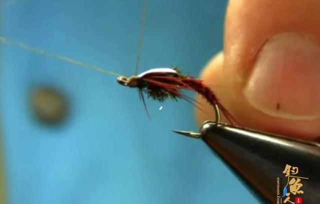 国外叫飞蝇我们叫毛钩,这钓鱼用具更像是一件艺术品