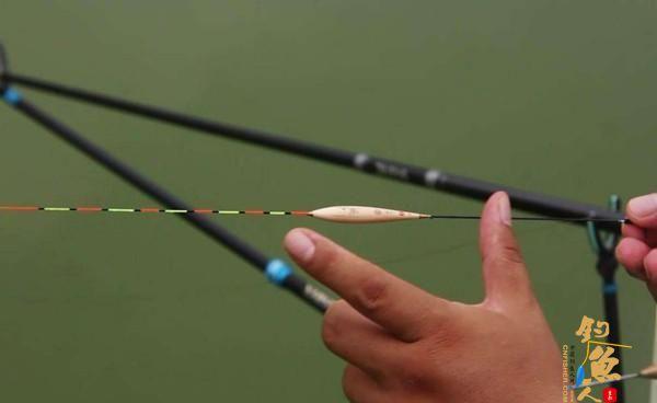 钓鱼调漂技巧:调四钓二,有哪些误区?