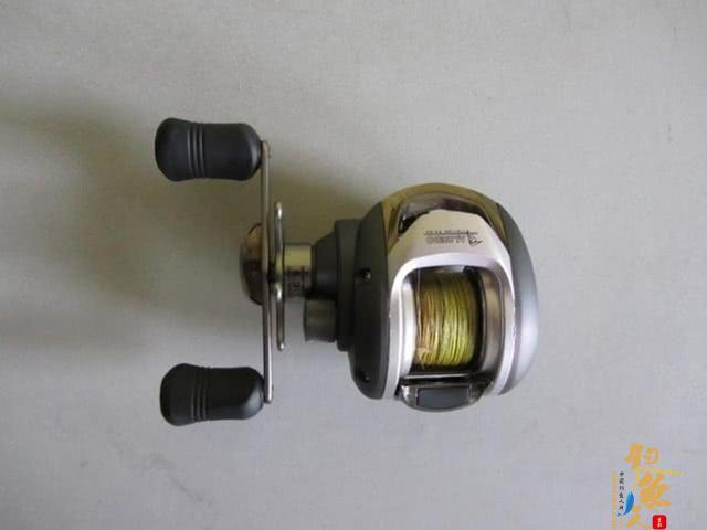 水滴轮的操控与纺车轮不同,虽然力道足,指向性好,但是初级路亚者操控适应期要更长